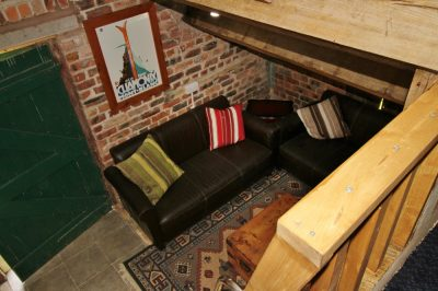Sofas in bunkhouse Bethan