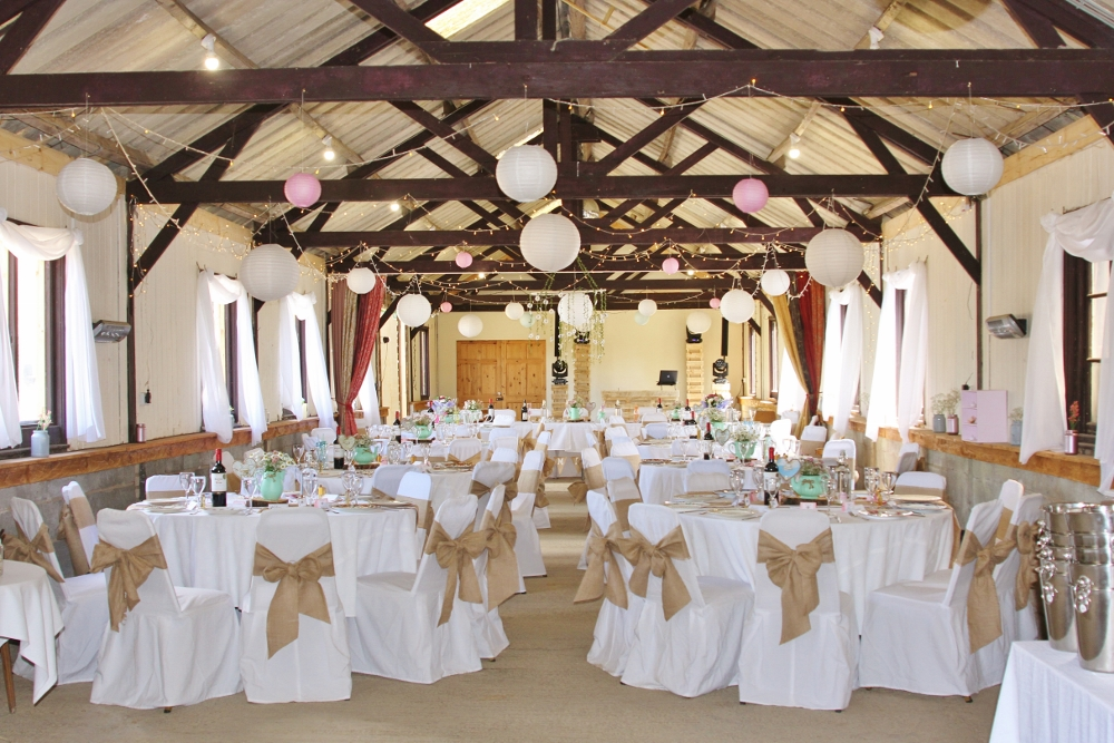 White And Vintage Barn Wedding Decorations