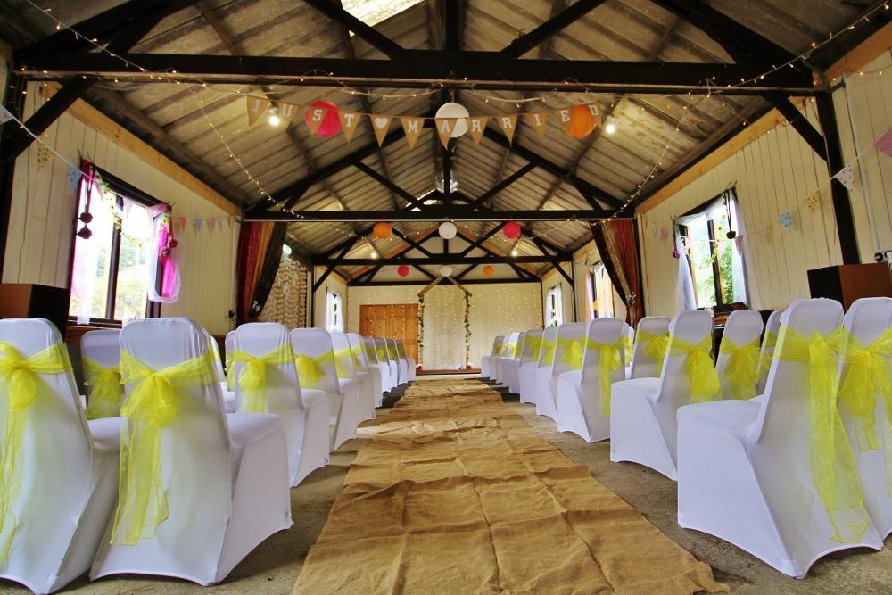Autumn wedding barn decorations