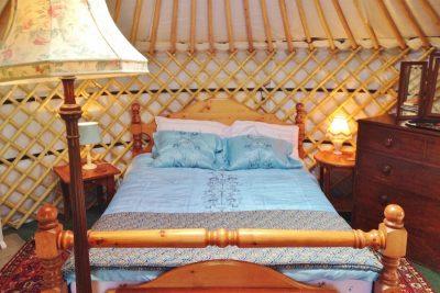 New duvet cover for yurt Bronwyn, 30th August, 2016