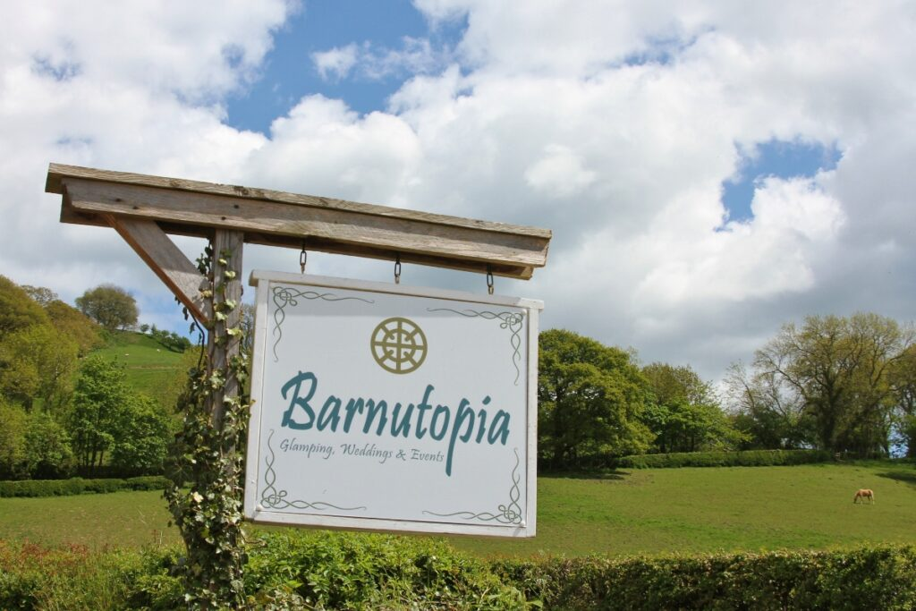 Barnutopia Glamping & Unique Venue