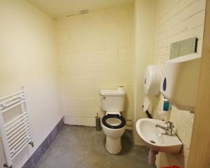 Toilet & handbasin. Wheelchair accessible.